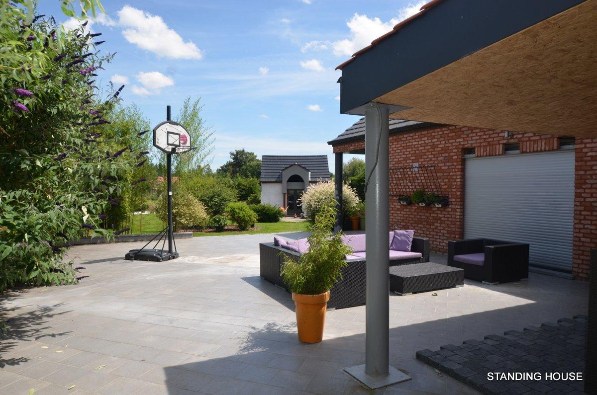 Spacieuse villa 4 chambres avec piscine int rieure for Chalet a louer laurentides avec piscine intrieure